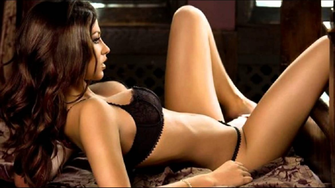 Techniques to Make Hot Girls Attracted to You Fast!